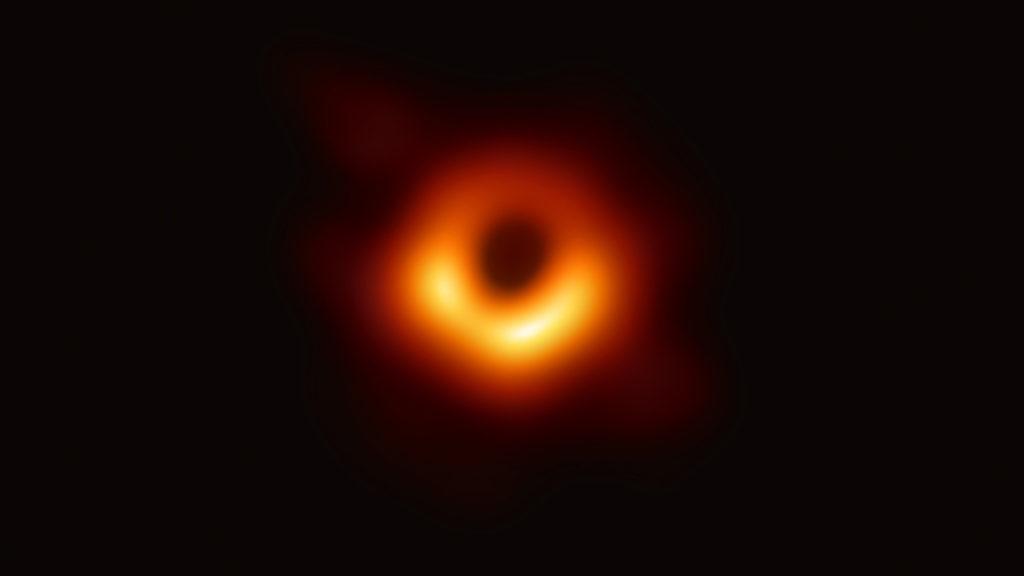 Pembuktian Teori Einstein Melalui Foto Perdana Black Hole